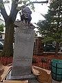 Christopher-columbus-bust-union-city.jpg