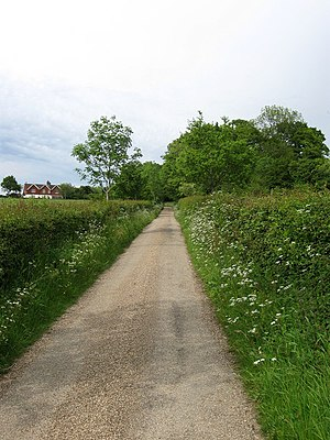 English: Clayton Farmhouse Drive Linking the f...