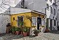 Corner in Lisbon (48008661332).jpg