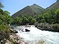 Cristalinas aguas en el Sella , Tornin ( Cangas de Onis ). - panoramio.jpg