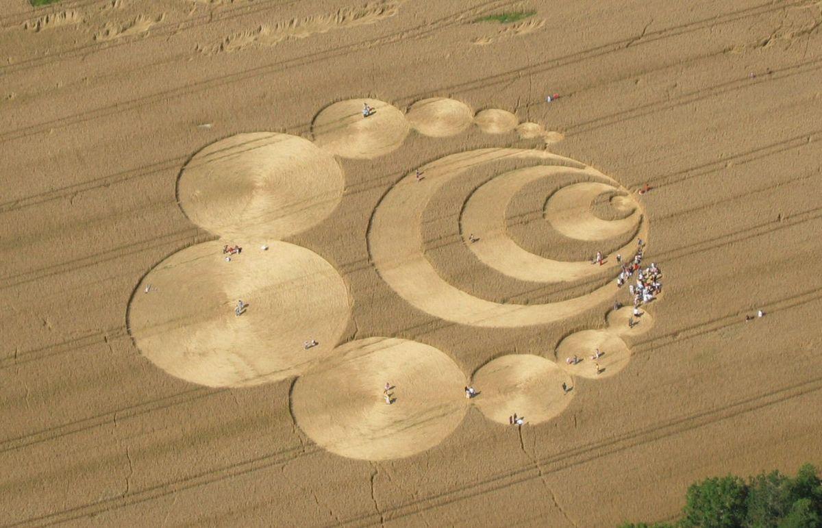 Crop circle - Wikipedia