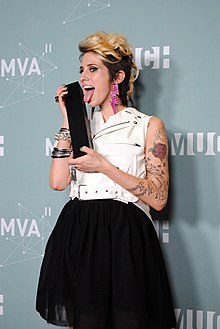 Description de l'image DEV at 2011 MMVA.jpg.