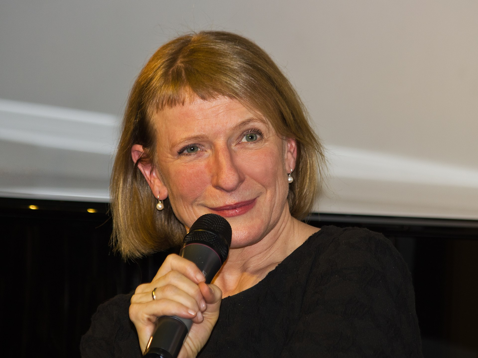 Dagmar Manzel - Wikipedia