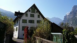 Dekanenhaus (um 1700) mit Gartenpavillon2014-10-02 11.49.05.jpg