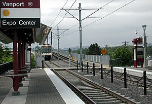 Delta Park/Vanport station - A northbound train enters the station.