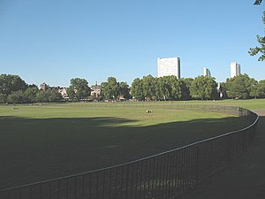 Deptford Park - Deptford Park is a large urban park close to the River Thames photo: Stephen Craven, geograph.org.uk
