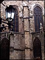 Detràs la catedral de Barcellona - panoramio.jpg