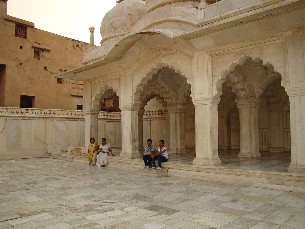 Diwan-i-khas at Agra Fort