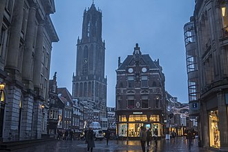 Dom Tower, Domplein, seen from Stadhuisbrug, Utrecht 03.jpg