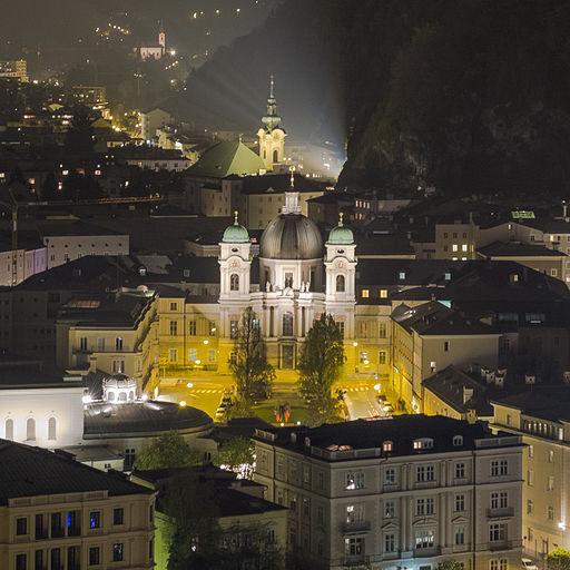 Dreifaltigkeitskirche bei Nacht