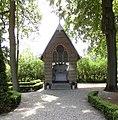 Driebergen-Rijsenburg - Grafkapel begraafplaats Drieklinken RM509783.JPG