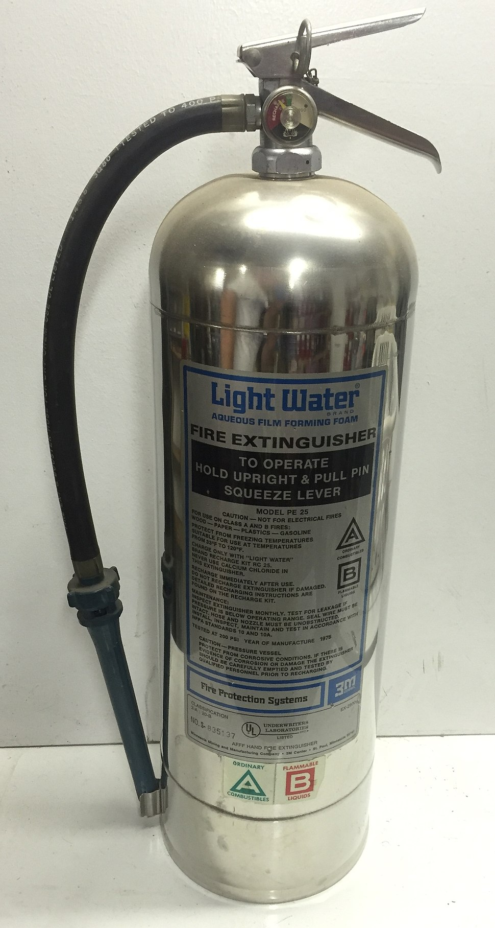 Early Light Water AFFF foam extinguisher