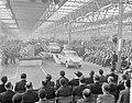 Eerste DAF personenauto is van de band gekomen in Eindhoven, de eerste wagen loo, Bestanddeelnr 910-2384.jpg
