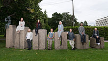 Estonian Wikipedians on the monument of 100 000 in Tartu.