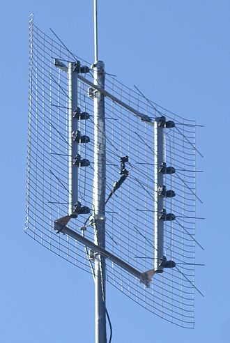 Antenna array - Image: Eight bay bowtie TV antenna