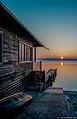 Ein traumhaft schöner Wintertag geht zu Ende -- Sonnenuntergang am Ammersee gestern Abend (13034839094).jpg