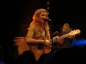 English: Ellie Goulding at Lights Showcase in ...