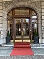Entrée Lausanne Palace (avril 2019).jpg