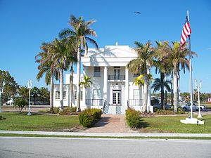 Old Collier County Courthouse - Image: Everglades City FL old crths 01