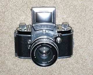 Single-lens reflex camera camera that typically uses a mirror and prism system