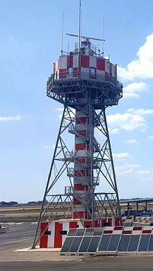 Uno dei radar di terra dell'aeroporto. Il sistema ENAV, manutenuto da Techno Sky, è deputato a controllare dalla torre di controllo i movimenti a terra degli aeromobili e dei veicoli.