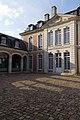 Façade arrière et cour intérieure de l'ancien doyenné (Lisieux, Calvados, France).jpg
