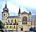 Façade est de l'église Notre-Dame de Remiremont.jpg