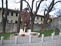 Fattorie Visconti (dietro alla statua) a Somma Lombardo - 02.JPG