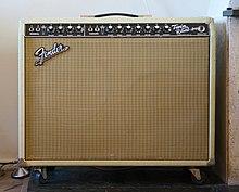220px Fender Twin Reverb Blonde