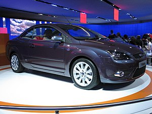 Ford Focus at British International Motor Show 2006.jpg