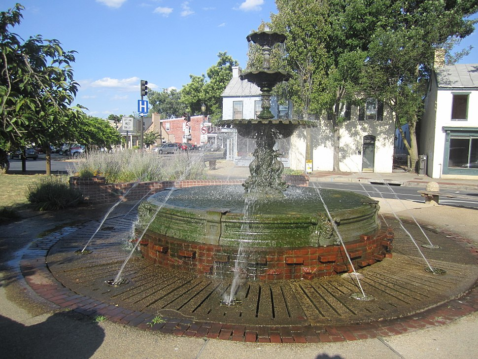 Fountain, Frederick, MD IMG 4700