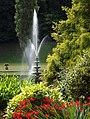 Fountain (20483371832).jpg