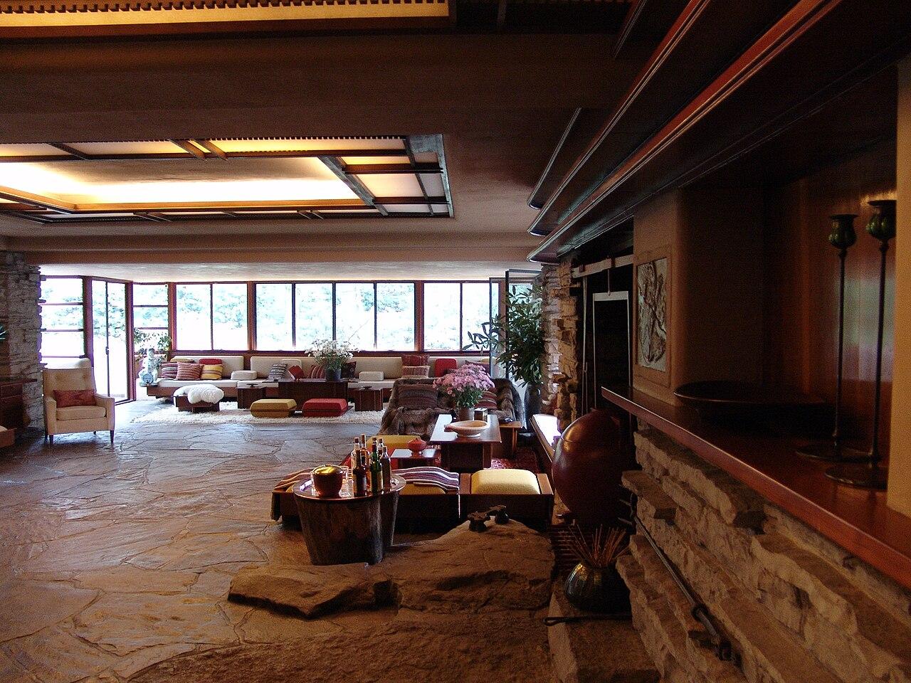 Frank Lloyd Wright - Fallingwater interior 7.JPG