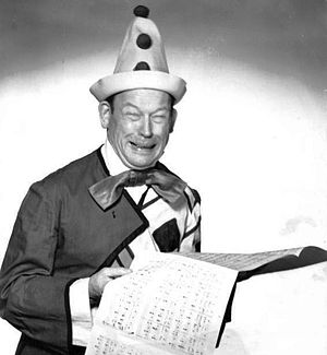 Publicity photo of Fred Allen for the premiere...