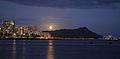 Full Moon Rising over Diamond Head (4677896954).jpg