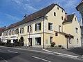 Gasthaus inklusive Ausleger Hauptplatz 45-47.JPG