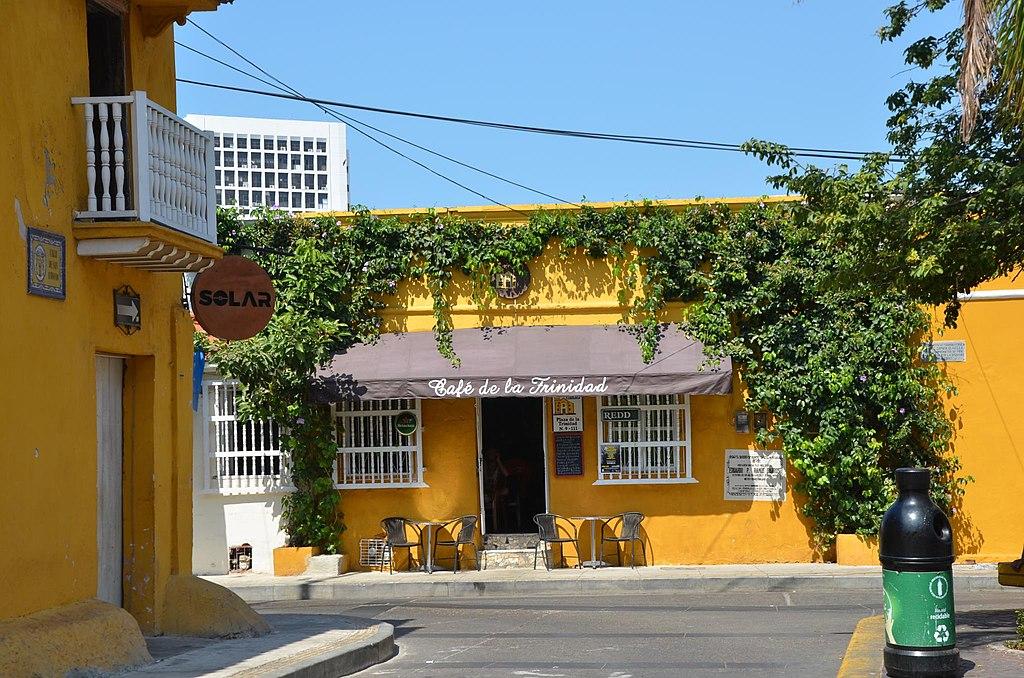 Getsemani Street Scene, Cartagena, Colombia (24559387856)