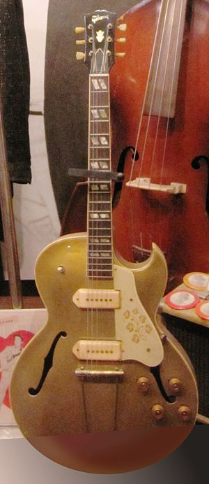 Gibson ES-175 - Gibson ES-295 displayed at Sun Studios)