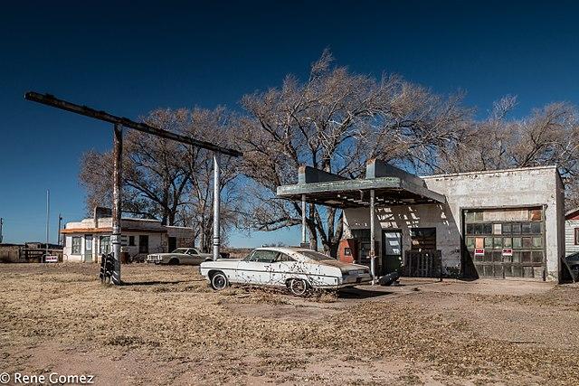 Glenrio, Texas. Abandoned gas station.