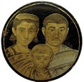 Gold-glass family portrait (Vatican Library) 1.jpg