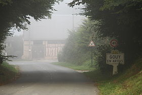 Gouy-en-Artois (Pas-de-Calais) city limit sign (flickuserolibac).jpg