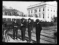 Group at White House, Washington, D.C. LCCN2016889752.jpg
