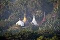 Haridaung-Mrauk U-28-Stupas-gje.jpg