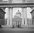 Hoofdingang van het Trinity College, Bestanddeelnr 191-0852.jpg