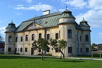 Hronsek - Castle in the village
