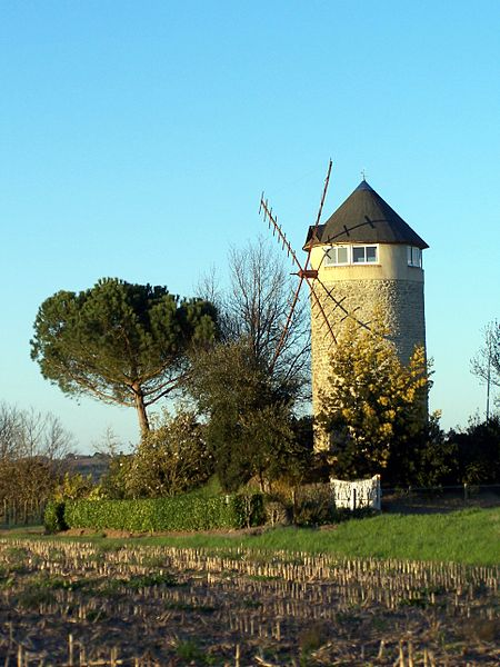 Windmill in Hure (Gironde, France)