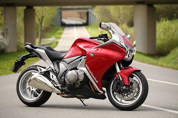 мотоцикл Хонда ВФР 1200