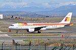 Iberia, Airbus A320-214, EC-IZH - MAD (19353709871).jpg