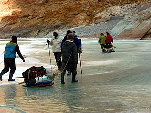 Chadar trek - Image: Improvised Sledge on chadar