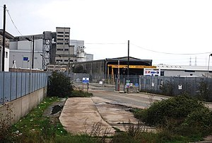Industrial Area by the River Thames - geograph.org.uk - 1593626.jpg